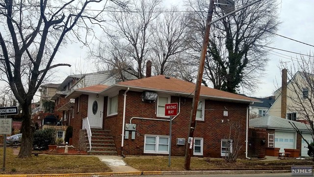 Single Family Home for Sale at 200 6th Street 200 6th Street Palisades Park, New Jersey 07650 United States