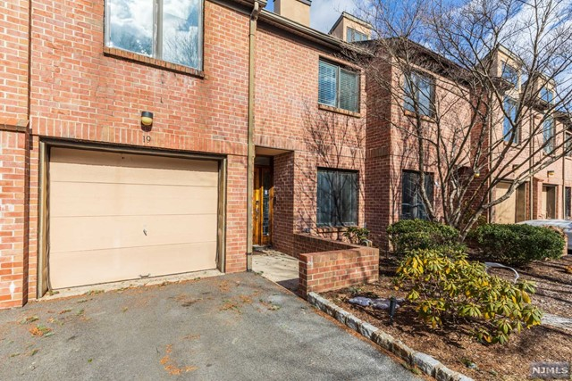 Condominium for Sale at 19 Andrea Drive 19 Andrea Drive North Caldwell, New Jersey 07006 United States