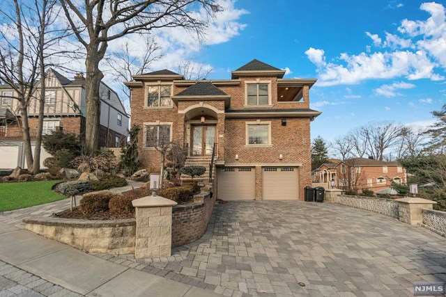 Single Family Home for Sale at 77 Edgewater Road 77 Edgewater Road Cliffside Park, New Jersey 07010 United States