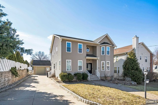 Single Family Home for Sale at 186 Wood Ridge Avenue 186 Wood Ridge Avenue Wood Ridge, New Jersey 07075 United States
