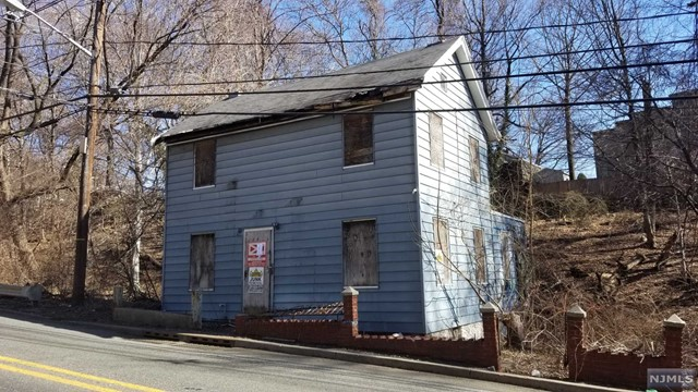 1511 River Rd - Edgewater, New Jersey