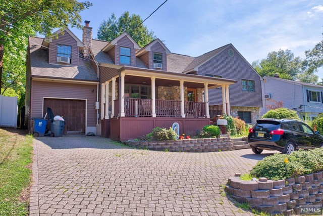 Single Family Home for Sale at 21 Blish Place 21 Blish Place Dumont, New Jersey 07628 United States