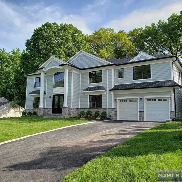 Single Family Home for Sale at 114 Forest Avenue 114 Forest Avenue Ramsey, New Jersey 07446 United States