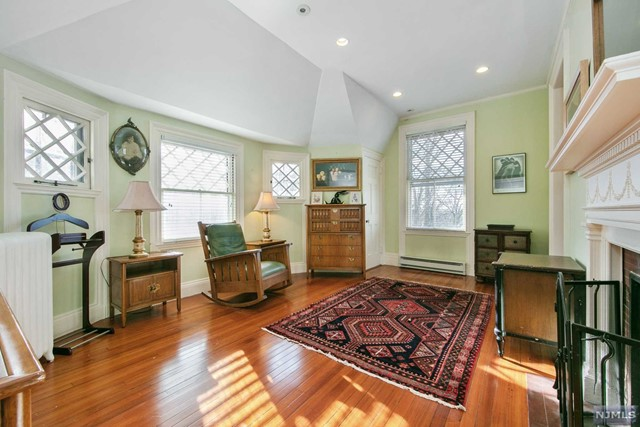Additional photo for property listing at 44 Tower Hill Loop Tuxedo Park, New York 10987 United States
