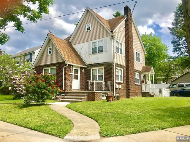 Single Family Home for Sale at 1 Collins Avenue 1 Collins Avenue Bloomfield, New Jersey 07003 United States