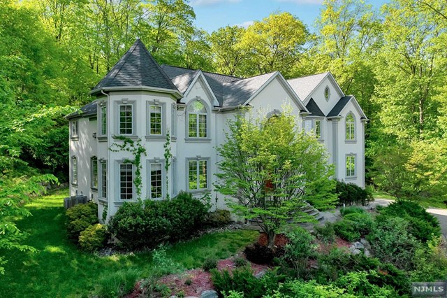 Rental Communities for Rent at 326 Rock Ridge Court 326 Rock Ridge Court Franklin Lakes, New Jersey 07417 United States