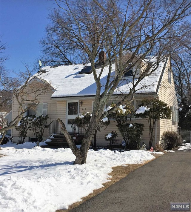 Single Family Home for Sale at 448 Berkshire Road Ridgewood, New Jersey 07450 United States