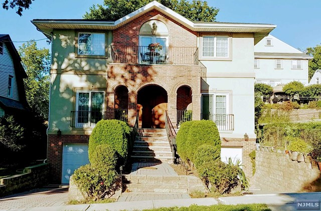 Single Family Home for Sale at 969 Virgil Avenue 969 Virgil Avenue Ridgefield, New Jersey 07657 United States