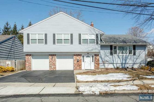 Single Family Home for Sale at 80 Dogwood Court 80 Dogwood Court Westwood, New Jersey 07675 United States