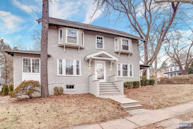 Single Family Home for Sale at 103 Richmond Avenue 103 Richmond Avenue Ridgewood, New Jersey 07450 United States
