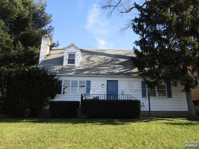 Single Family Home for Sale at 560 Palisade Avenue 560 Palisade Avenue Garfield, New Jersey 07026 United States
