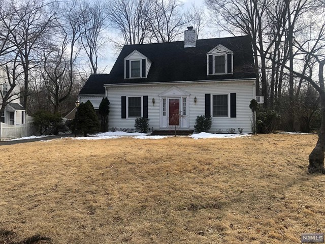 Single Family Home for Sale at 71 Bryant Place 71 Bryant Place Westwood, New Jersey 07675 United States