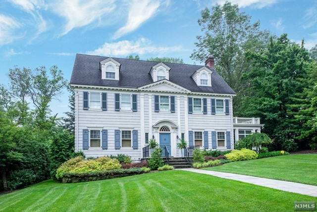 Single Family Home for Sale at 20 Hoburg Place 20 Hoburg Place Montclair, New Jersey 07042 United States