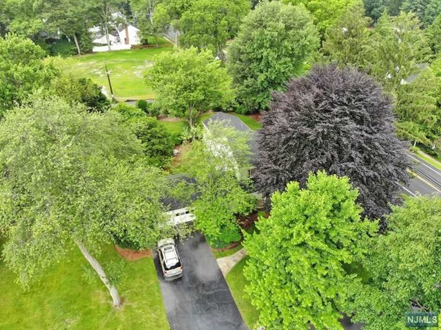 Single Family Home for Sale at 561 Summit Avenue 561 Summit Avenue Oradell, New Jersey 07649 United States