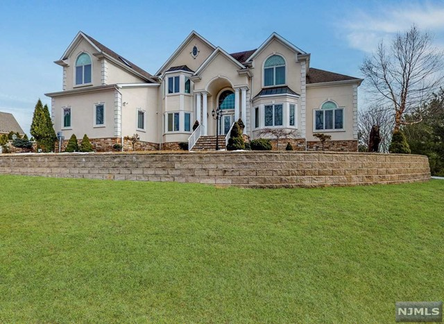 Single Family Home for Sale at 41 Kanouse Lane 41 Kanouse Lane Montville Township, New Jersey 07045 United States
