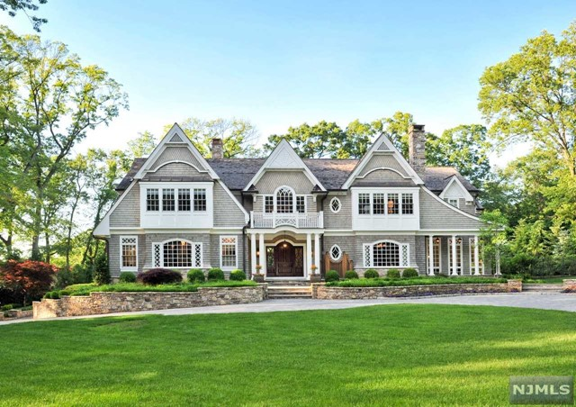 Single Family Home for Sale at 27 Old Woods Road Saddle River, New Jersey 07458 United States