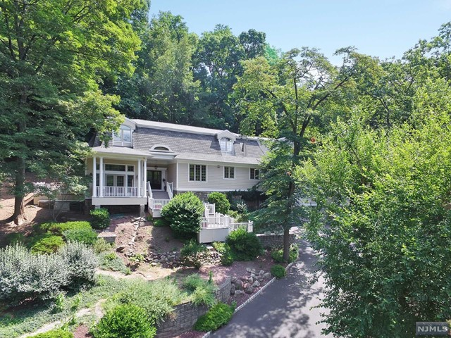 Single Family Home for Sale at 10 East Saddle River Road 10 East Saddle River Road Saddle River, New Jersey 07458 United States