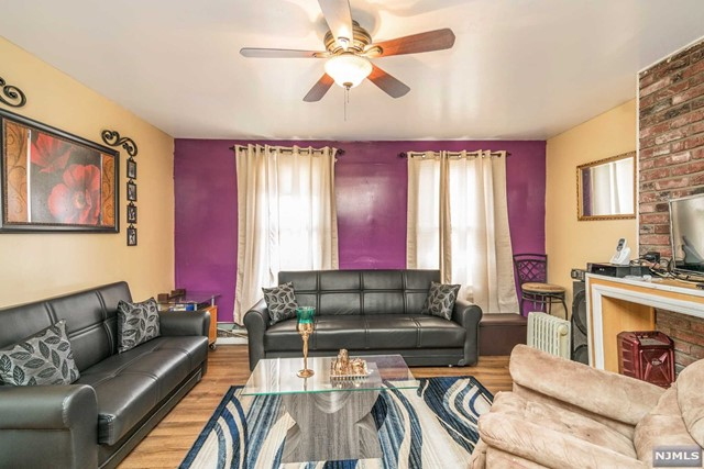 Villas / Townhouses for Sale at 33 North Straight Street 33 North Straight Street Paterson, New Jersey 07522 United States