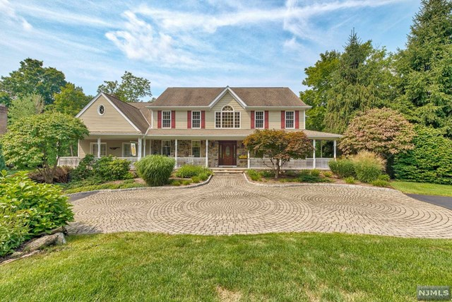 Single Family Home for Sale at 75 Walsh Drive 75 Walsh Drive Mahwah, New Jersey 07430 United States