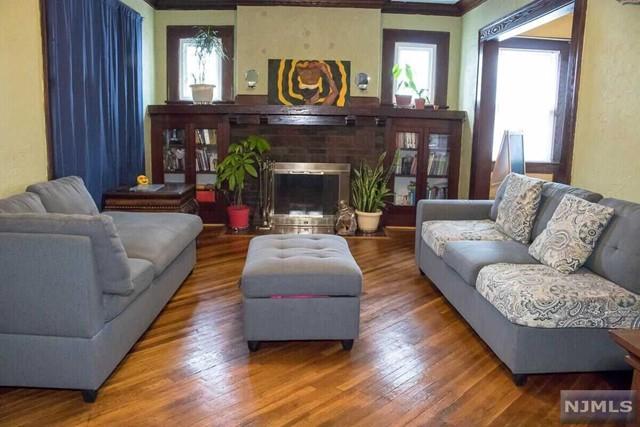 Single Family Home for Sale at 51 Leslie Street 51 Leslie Street East Orange, New Jersey 07017 United States