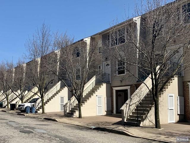 Rental Communities for Rent at 8 Bergen Ridge Road , Unit 1 North Bergen, New Jersey 07047 United States