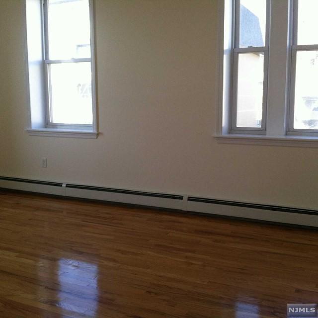 Port Imperial Apartments: Edgewater, NJ Apartments