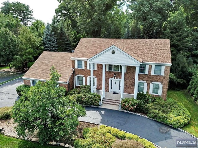 Single Family Home for Sale at 681 Alexander Court 681 Alexander Court River Vale, New Jersey 07675 United States