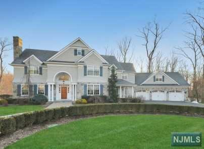 Single Family Home for Sale at 222 Deepbrook Road Wyckoff, New Jersey 07481 United States