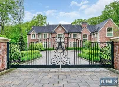 Single Family Home for Sale at 51 Fox Hedge Road Saddle River, New Jersey 07458 United States