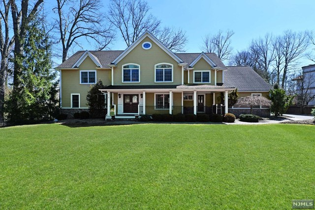 Single Family Home for Sale at 557 Faletti Way 557 Faletti Way River Vale, New Jersey 07675 United States