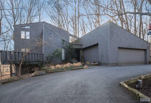 Single Family Home for Sale at 1243 Washington Avenue 1243 Washington Avenue Township Of Washington, New Jersey 07676 United States