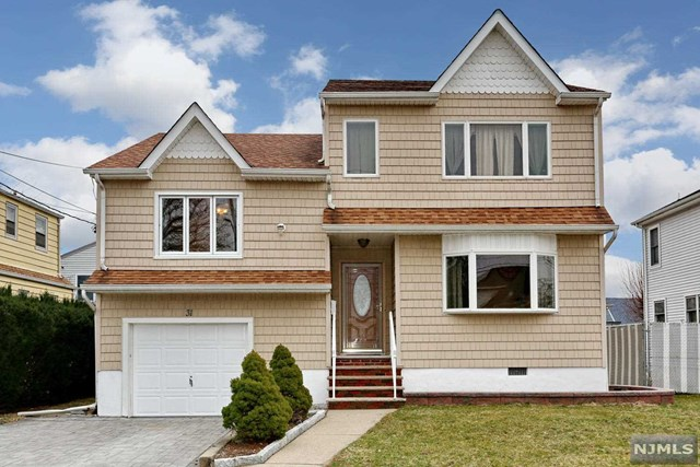 Single Family Home for Sale at 31 Hillcrest Avenue 31 Hillcrest Avenue Lodi, New Jersey 07644 United States
