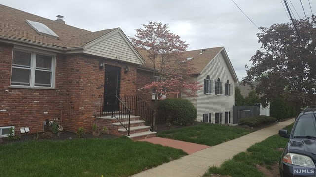 Single Family Home for Sale at 423 Forest Avenue 423 Forest Avenue Lyndhurst, New Jersey 07071 United States