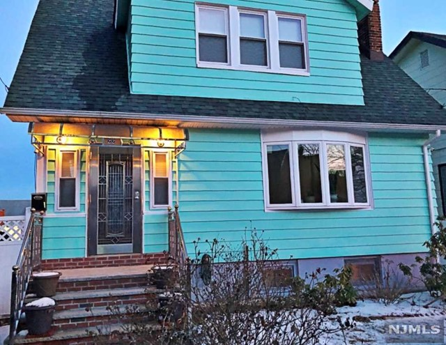 Single Family Home for Sale at 22 Hennessy Place 22 Hennessy Place Irvington, New Jersey 07111 United States