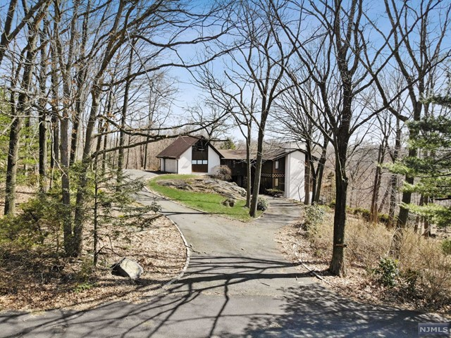 Land / Lots for Sale at 4 Highwood Place Alpine, New Jersey 07620 United States
