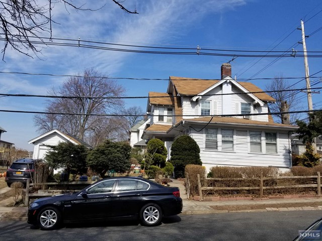 Single Family Home for Sale at 203 Grand Avenue 203 Grand Avenue Palisades Park, New Jersey 07650 United States