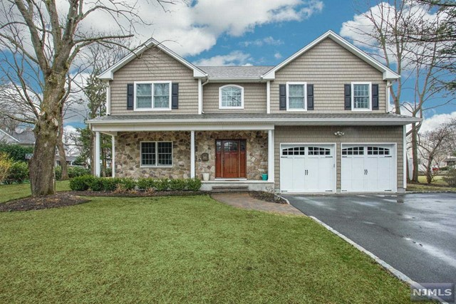 Single Family Home for Sale at 261 Rockland Avenue 261 Rockland Avenue River Vale, New Jersey 07675 United States