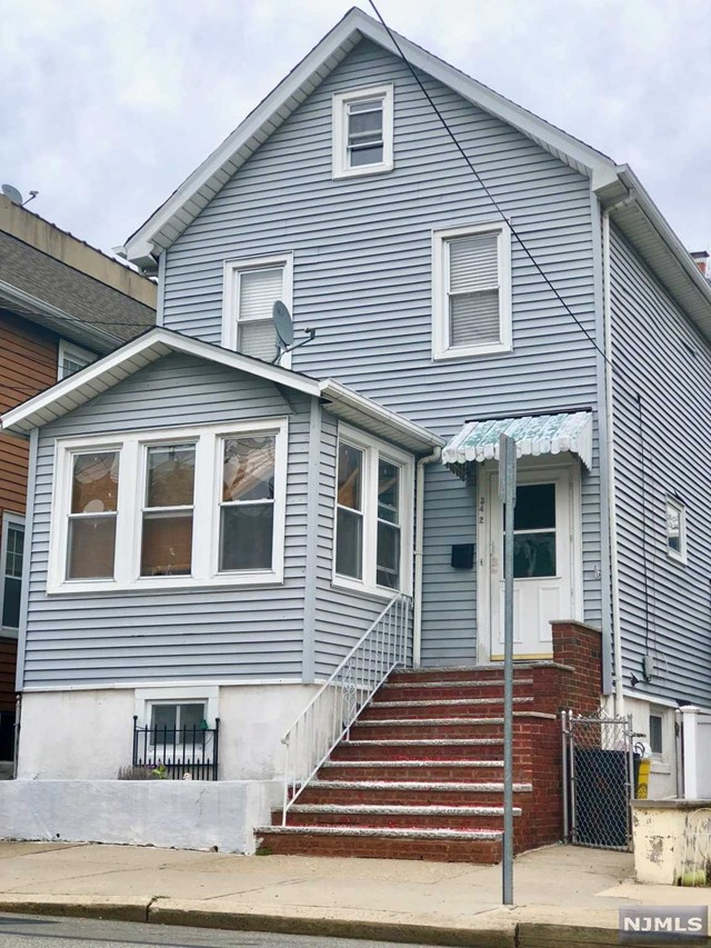 Single Family Home for Sale at 342 9th Street 342 9th Street Fairview, New Jersey 07022 United States