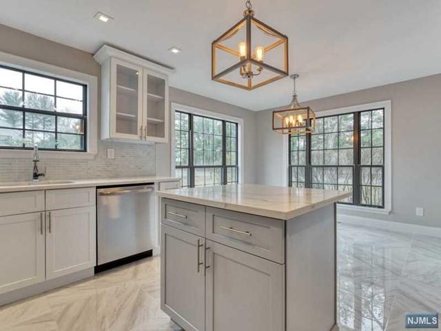 Condominium for Sale at 109 Swiatek Court 109 Swiatek Court Mahwah, New Jersey 07430 United States