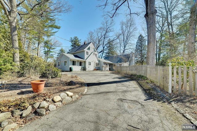 Single Family Home for Sale at 407 Cupsaw Drive 407 Cupsaw Drive Ringwood, New Jersey 07456 United States
