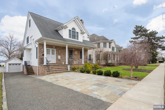 Single Family Home for Sale at 342 Terrace Avenue 342 Terrace Avenue Hasbrouck Heights, New Jersey 07604 United States