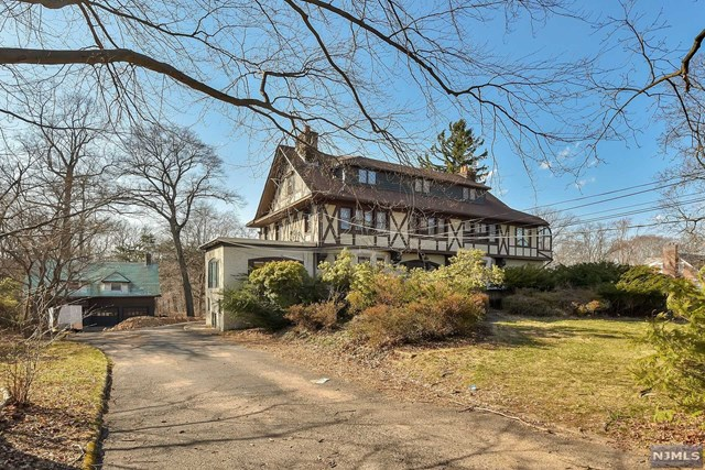 Land for Sale at 246 Mountain Avenue 246 Mountain Avenue Ridgewood, New Jersey 07450 United States