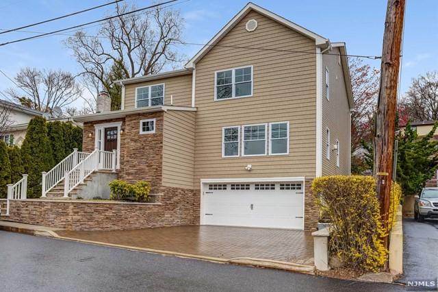 Single Family Home for Sale at 779 Shetland Lane 779 Shetland Lane Ridgefield, New Jersey 07657 United States