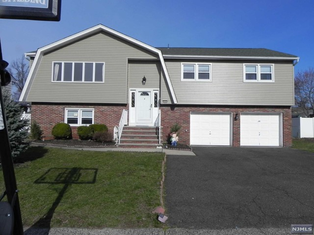 Single Family Home for Sale at 4 Larosa Drive 4 Larosa Drive Little Ferry, New Jersey 07643 United States