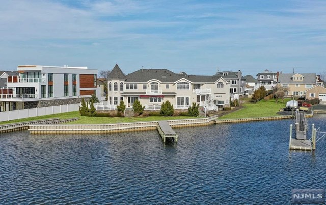Single Family Home for Sale at 12 Sunset Lane 12 Sunset Lane Monmouth Beach, New Jersey 07750 United States