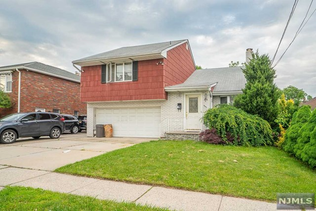 Single Family Home for Sale at 263 Washington Place 263 Washington Place Hasbrouck Heights, New Jersey 07604 United States