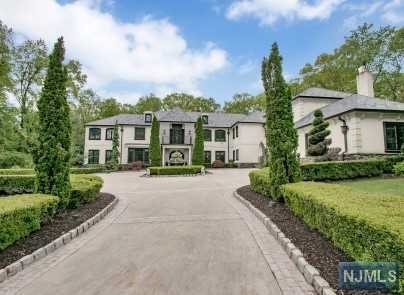 Single Family Home for Sale at 14 Christopher Place Saddle River, New Jersey 07458 United States