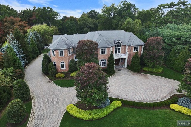 Single Family Home for Sale at 360 East Madison Avenue 360 East Madison Avenue Cresskill, New Jersey 07626 United States
