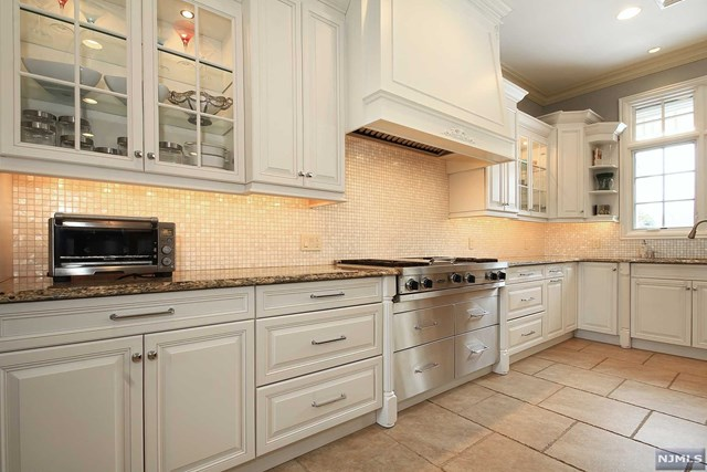 Additional photo for property listing at 360 East Madison Avenue Cresskill, New Jersey 07626 United States