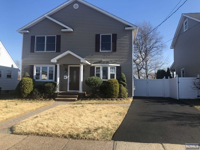 Single Family Home for Sale at 38 Memorial Place 38 Memorial Place Elmwood Park, New Jersey 07407 United States